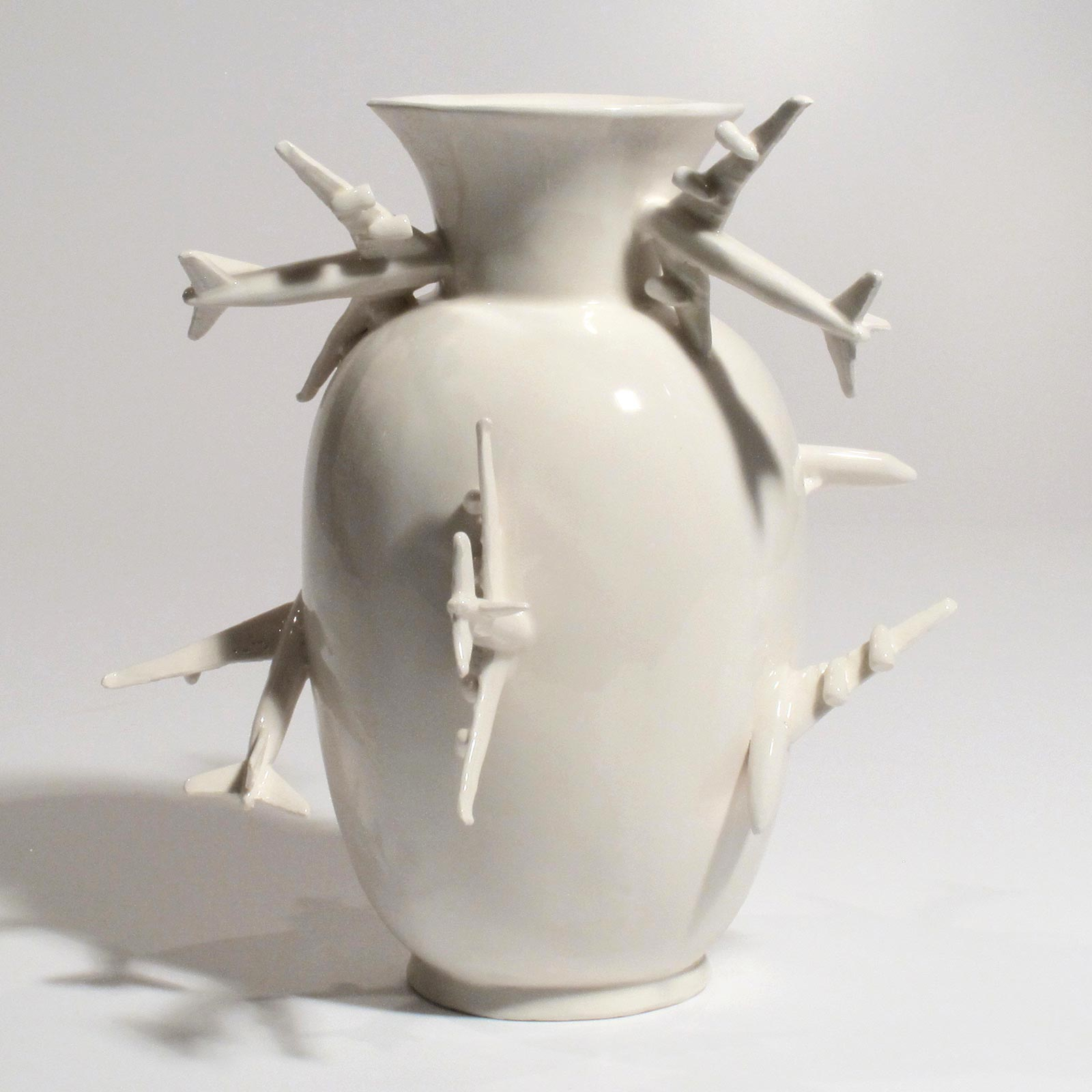 1 Gabriele Mallegni, Break on trough, vaso, ceramica bianca smaltata, pezzo unico- vase, white glazed ceramic, unique piece,2016 , Design