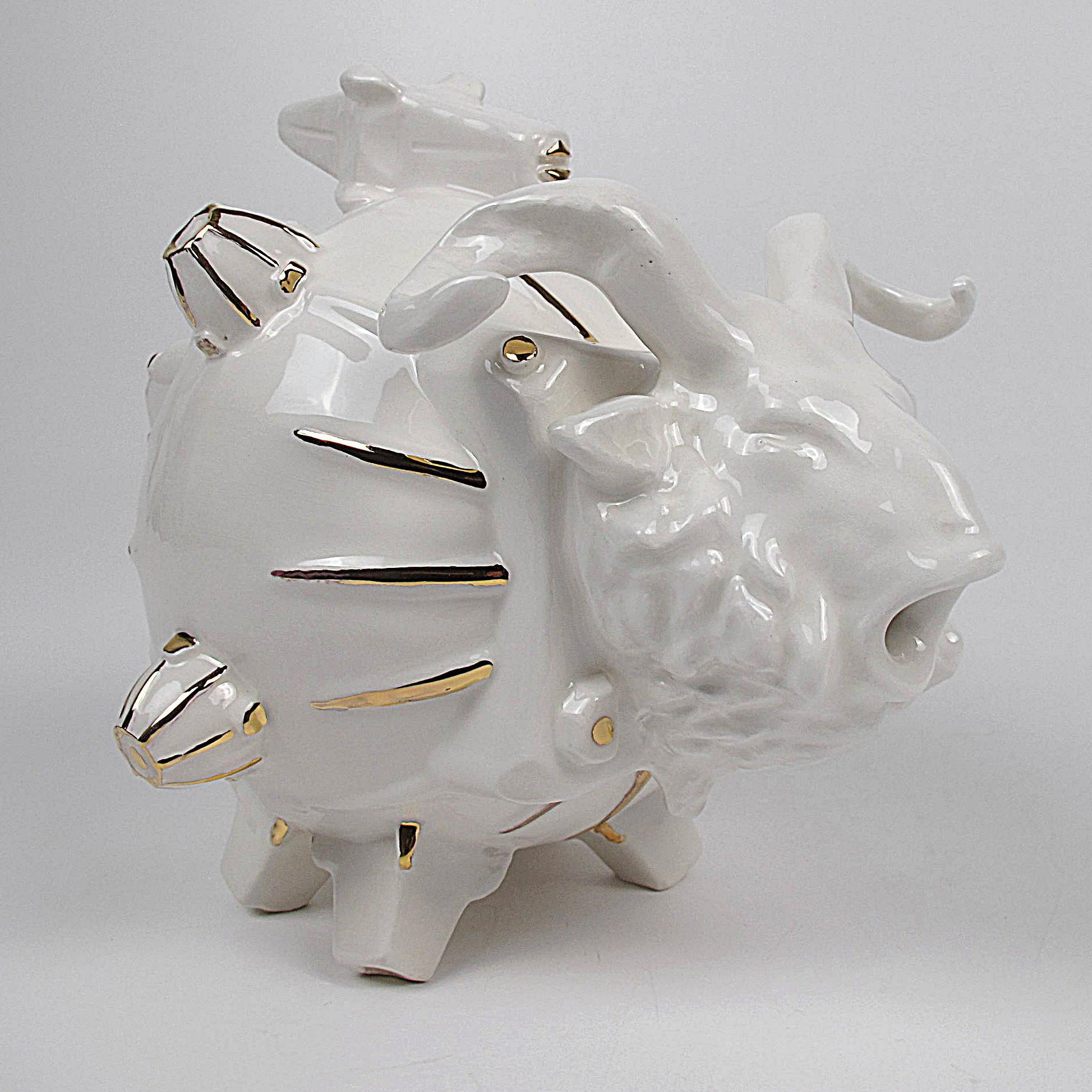 Gabriele Mallegni, Space Oddity, brocca, ceramica bianca smaltata e oro a terzo fuoco, 2020, suared