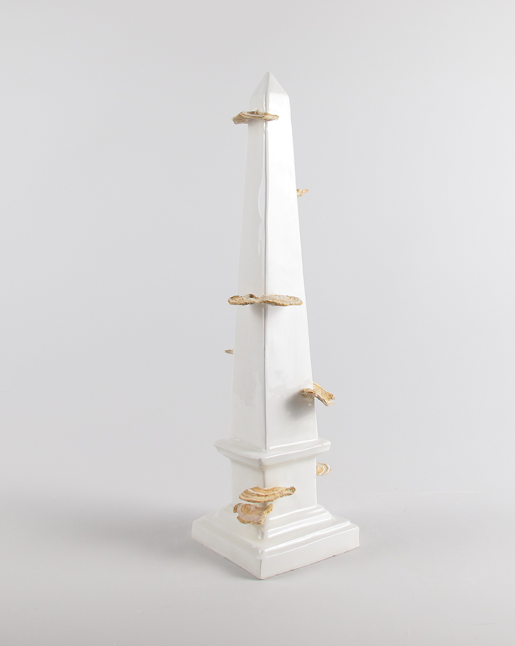 Monumento al tempo, Caterina Sbrana, 2020 contemporary art ceramic